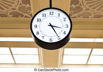 Big Clock in the building