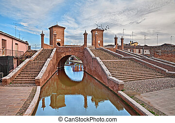 Comacchio, Emilia Romagna, Italy: the ancent bridge...