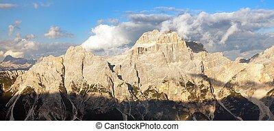 gruppo del Sorapis, Alps dolomites mountains - Evening view...