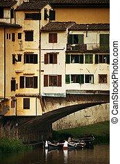 Florence Ponte Vecchio - Ponte Vecchio over Arno River in...