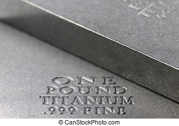 titanio, lingote