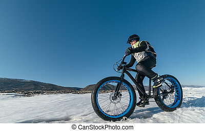 Fatbike. Fat tire bike. - Fatbike also called fat bike or...