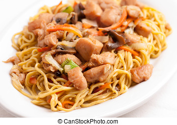 chicken chow mien - chow mien or mein with chicken and fresh...
