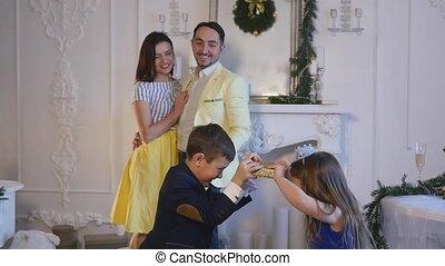 family new year photo shoot flash light.