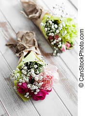 Flowers - Mini flower bouquet with roses and carnation
