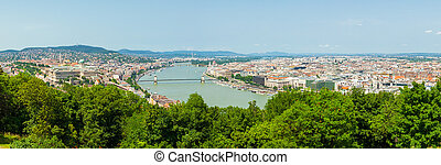 Panoramic view of Dunabe river with bridge connecting Buda...