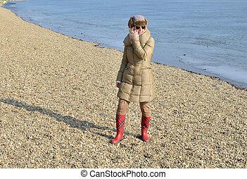 donna, spiaggia, inverno