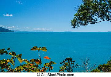 Whitsunday Islands - Blick auf die Inselwelt der...