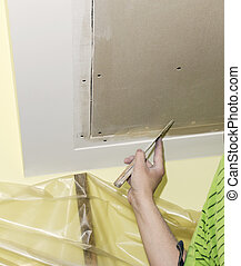 puttying drywall seams - Builder embeds the joints drywall...