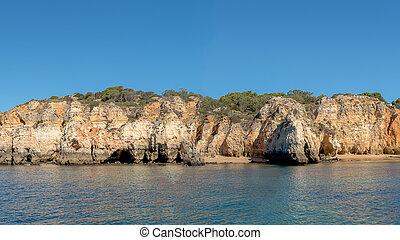 Prainha in Algarve Portugal - Natural rocks at Prainha in...