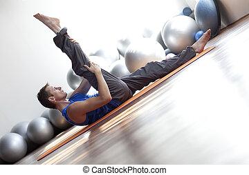fusión, mente, cuerpo, -, hombre, Practicar, Pilates