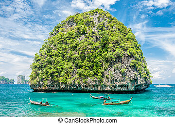 Beautiful uninhabited island in Thailand - Beautiful...