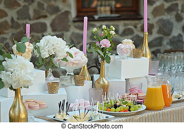 Wedding table with buffet dinner