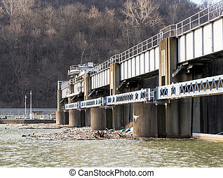 Debris and trash collected at lock sluice gates - Lock or...