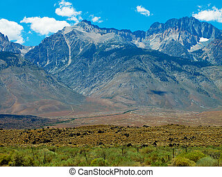 Sierra Nevada Mountains - California Sierra Nevada Mountains...