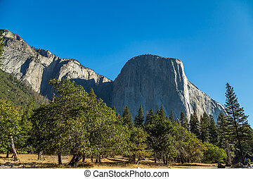 El Capitan Yosemite - El Capitan (Spanish for The Captain,...