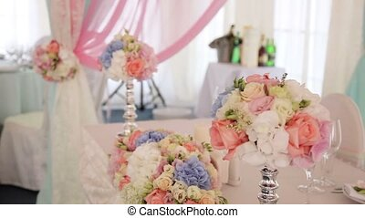 Wedding dinner decoration with flowers