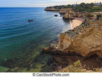 Praia dos Beijinhos (Lagoa, Portugal). - Beach Praia dos...