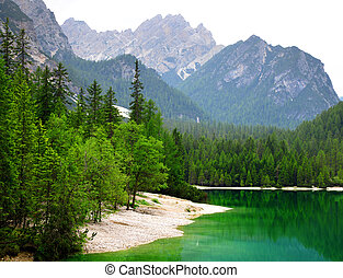 Lago di Braies ( Pragser Wildsee ) in Dolomites mountains -...