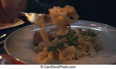 Eat noodles vegetables meat