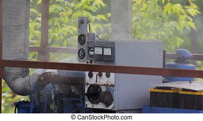 Hot Mechanism Smokes - Motor overheated engine smokes HD