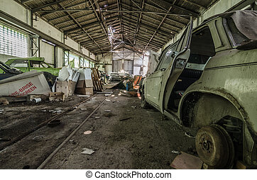 many old cars in hall - many old cars in a big hall