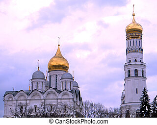 Moscow Kremlin Cathedrals May 2011 - View to Archangel...