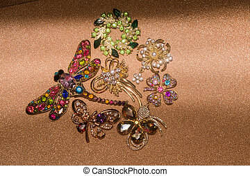 Golden Brooches Set - Collection of different golden...
