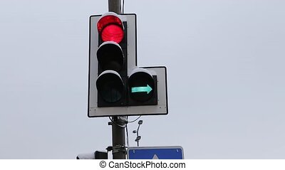Switching of traffic lights - Switching three colors of...