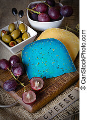 Blue cheese with lavender and rosemary. - Blue cheese with...