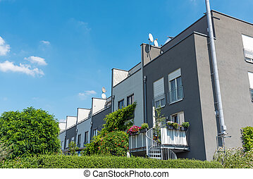 Serial houses with gardens in Berlin - Serial houses with...