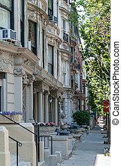 Quiet street in NY