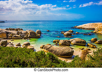 The concept of ecotourism im South Africa - Huge boulders on...