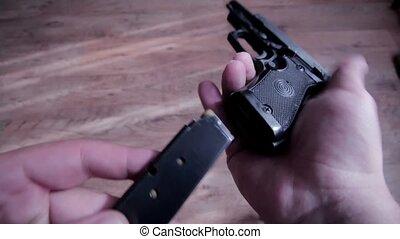 Gun charge bullet magazine Gun loading