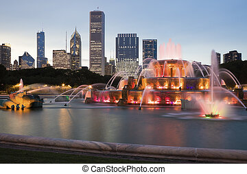 Buckingham Fountain in downtown of Chicago, Il