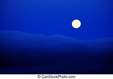 Full Moon Clouds Blue Night Sky - Full moon clouds blue...