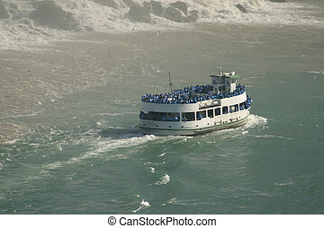 Boat Tour - Niagara Falls Maid of the Mist Boat Tour
