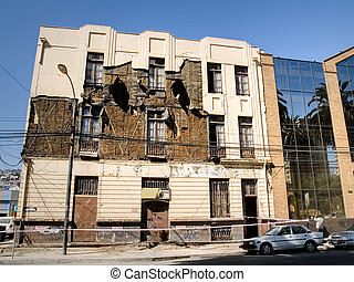 Chile earthquake 2010 - Damage building in Valparaiso caused...