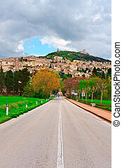 Assisi - Strait Road to the Italian City of Assisi