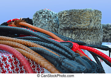 Leather whips and hats - Leather whips for horses and fur...