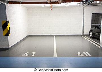 Parking in underground garage - Car parking in an...