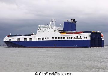roro ship at sea