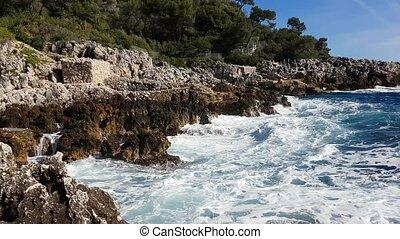 Big Sea Waves Crashing Into Rocks And Exploding - Huge Waves...
