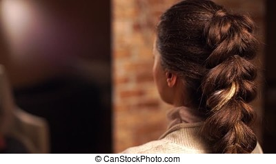 Weave girls braid in hair salon