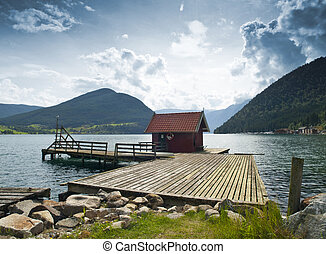 Dock Cabin - Wood cabin in the dock of Kaupanger, Norway