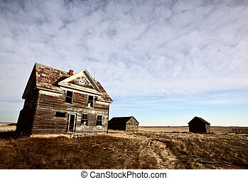 Abandoned farm house on the Prairies