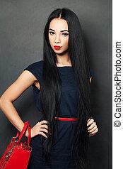 Fashion woman with beautiful healthy hair