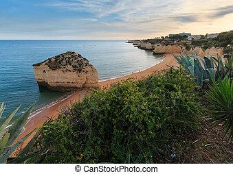 Praia da Cova Redonda(Lagoa, Portugal). - Beach Praia da...