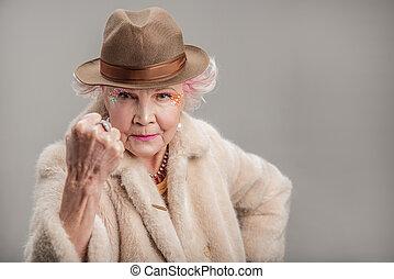 dama, Mirar, cámara, malhumorado, sombrero, 3º edad
