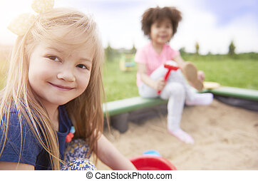 The benefits of sandpit play